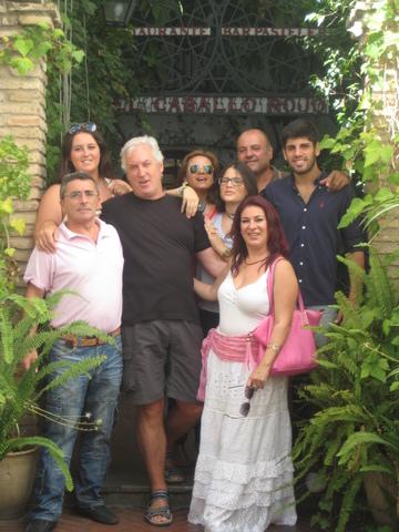 Familia bezalako lagunak