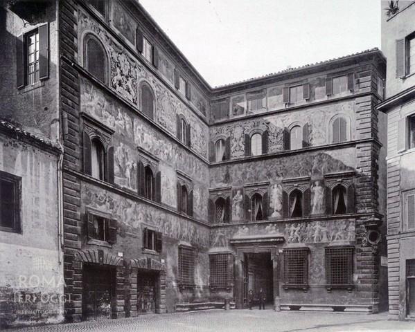 Polidoro da Caravaggio e Maturino da Firenze, Palazzo Ricci-Sacchetti, foto 1891