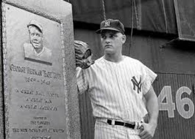 Roger Maris of the Yankees breaks Babe Ruth's single season home run record