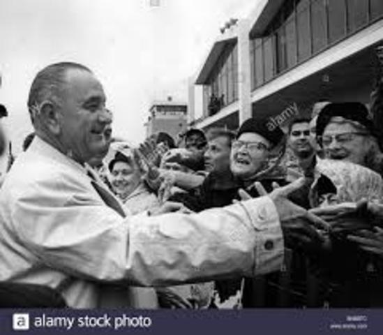 Lynden B. Johnson defeats Barry Goldwater