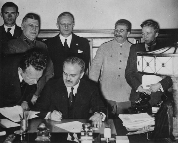 Договір про дружбу та кордони між СРСР та Німеччиною