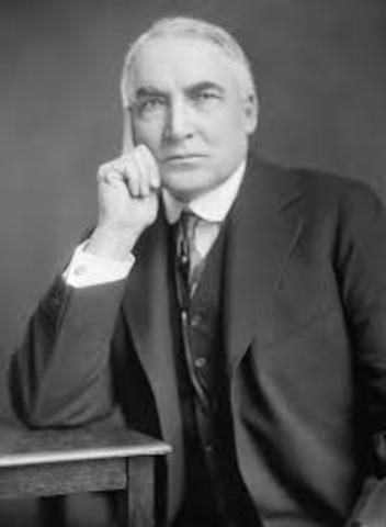 Warren G. Harding is elected president