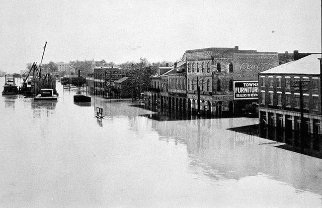 The Great Mississippi Flood displaces 700,000 people