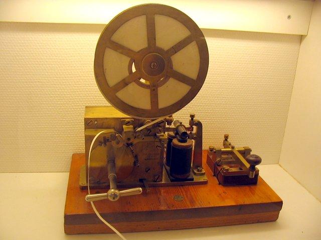 MORSE Telegrafo. (Trasportes y comunicación)