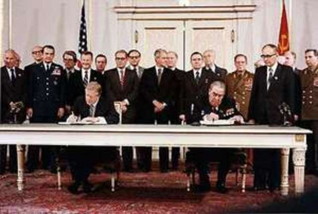 US and USSR sign agreement at SALT