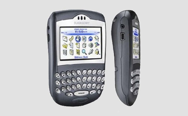 BLACK BERRY 7250
