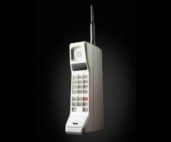 Se comercializa primer teléfono