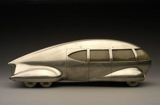 ICO: Motor car n.9 by B. Geddes