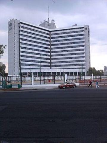 Instituto de Seguridad y Servicios Sociales de los Trabajadores del Estado.