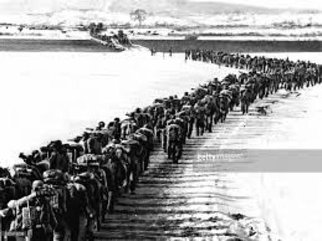China crosses Yalu river