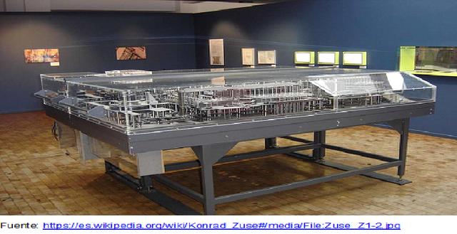 El ingeniero alemán Konrad Zuse  creó el primer computador.