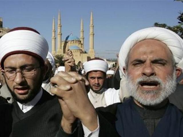 Islam splittes i to retninger