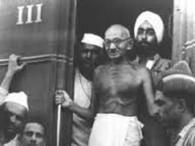 Gandhi gets kicked off train