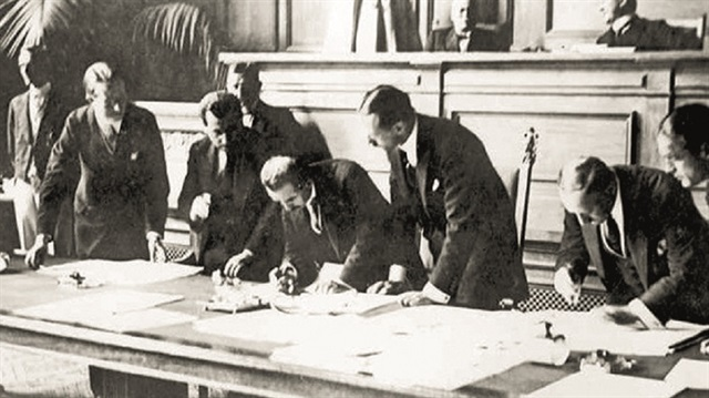Signing of Lausanne Peace Treaty