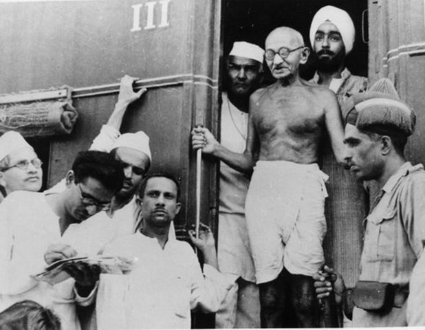 Gandhi Thrown Off A Train