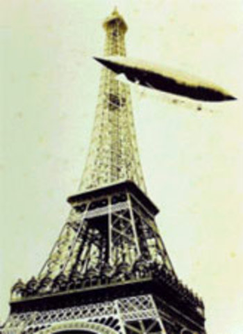 Santos-Dumont going around the Eiffel Tower with its No. 6