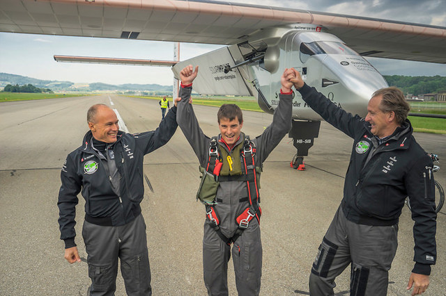 Solar Impulse performs the round-the-world tour without emissions