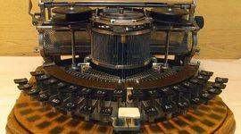 Maquina de escribir por el paso del tiempo timeline