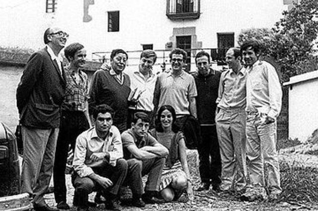 """Participa en la creación del movimiento cultural """"Ez dok amairu"""""""