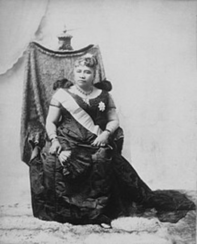 The Queen of Hawaii abdicated the throne.