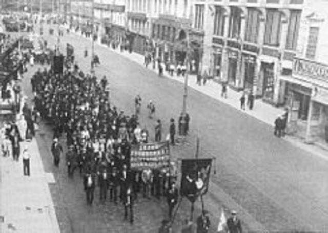Insurreccion popular en Julio en Petrogrado