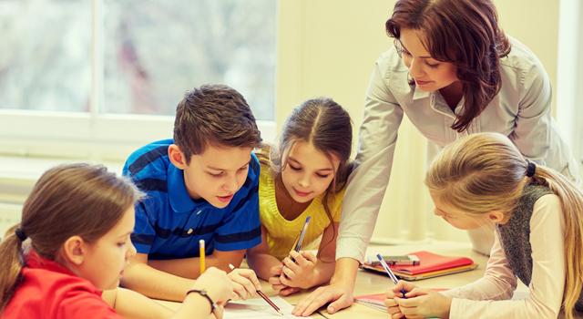 La pedagogía como estudio que propone estrategias.