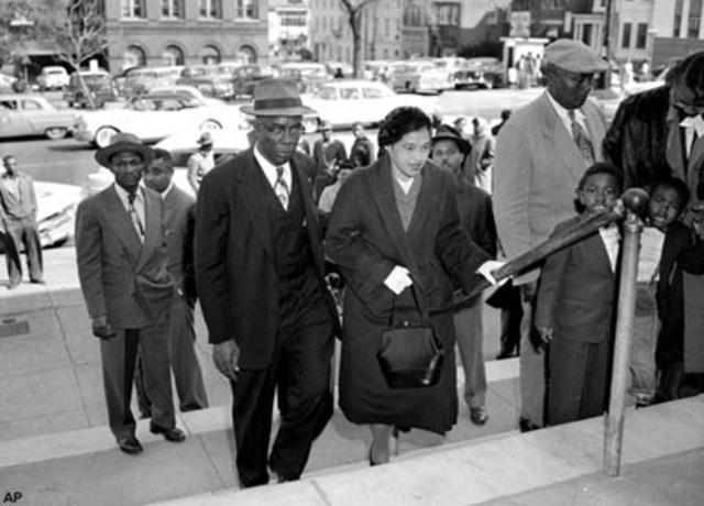 Parks' husband, Raymond Parks, dies