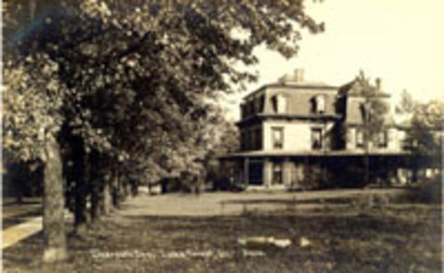 First Deerpath Inn opens