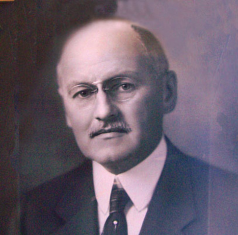 Henry A. Rumsey becomes mayor