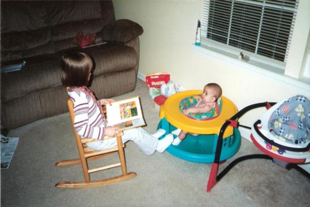 Hace diez años que mi hermana nació.