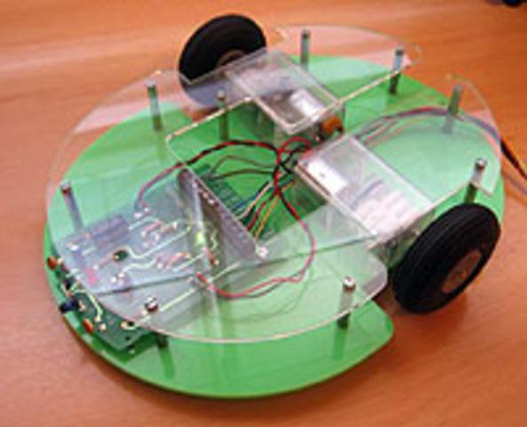 """el ratón fue inventado y el primer robot denominado """"Tortuga"""""""