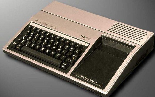 Aparecieron en el mercado los microordenadores o computadoras personales