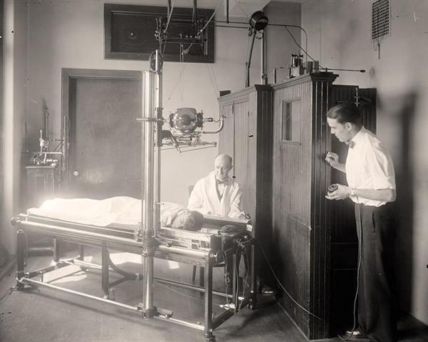 La premier machine a rayon X