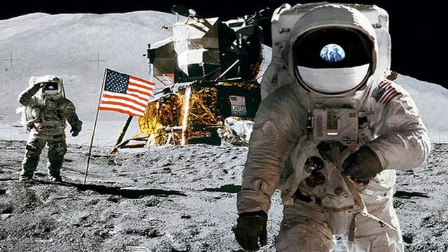 US manded spaceship Moon landing