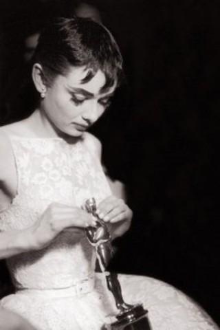 Audrey wins an Oscar Award
