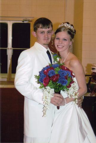 I got married to my high school sweetheart, Heath!