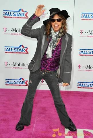 Steven Tyler Joins American Idol.