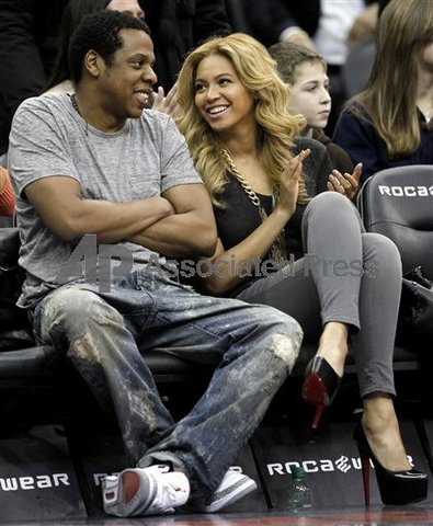 Jay-Z marries Beyonce