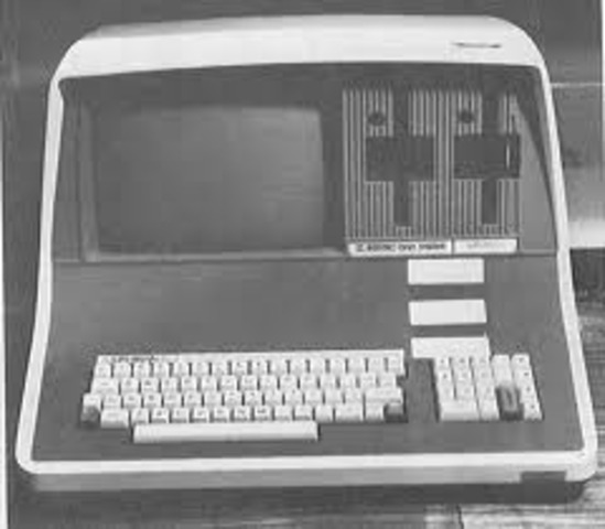 what was the first major microcomputer os
