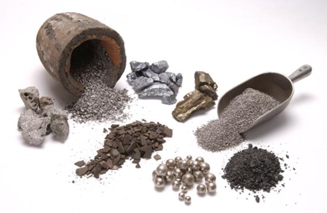 1553. Bartolomé de Medina inventa el método de beneficio de patio para purificar metales en Nueva España