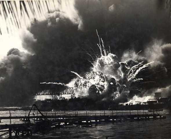 Japan attacs pearl harbor