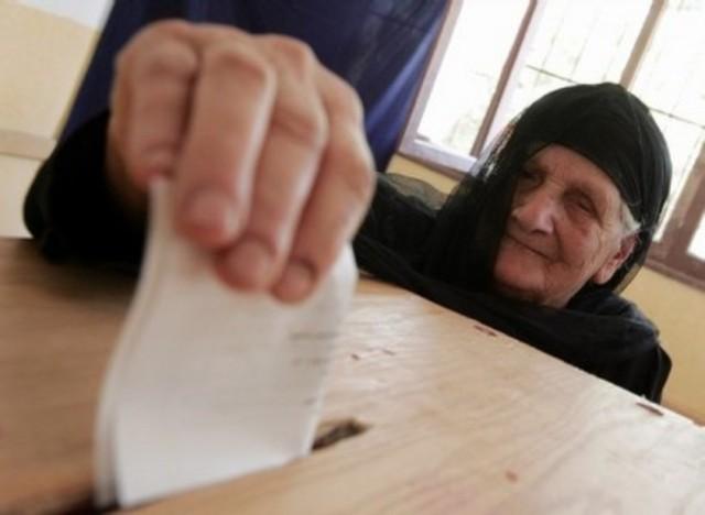 Mubarak announces he will not run again