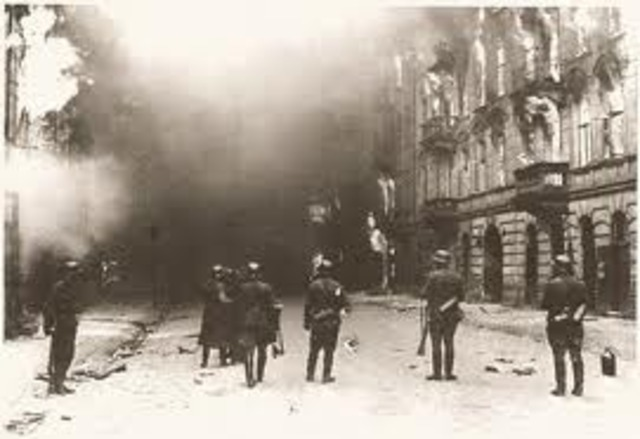 Germans set fire to ghetto
