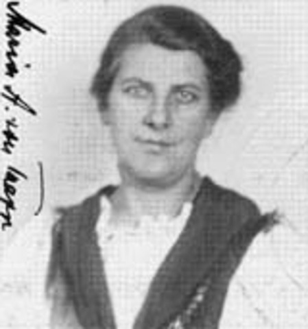 Maria von Trapp visits Woodlands Academy