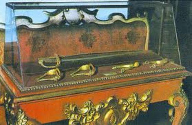 M-19, roba de la Quinta de Bolívar la espada del Libertador.