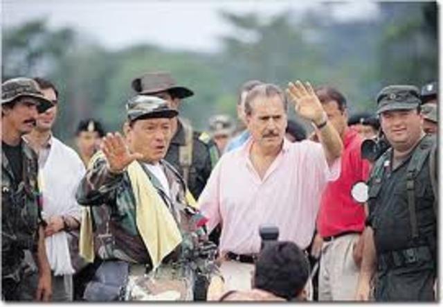 presidente Pastrana rompe el diálogo de paz con la FARC