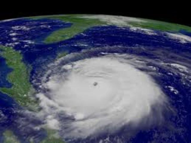 """El agudo verano provocado por el fenómeno de """"El Niño"""", reduce al mínimo nivel los embalses de las hidroeléctricas."""