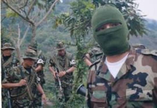los paramilitaries grupos terroristas.