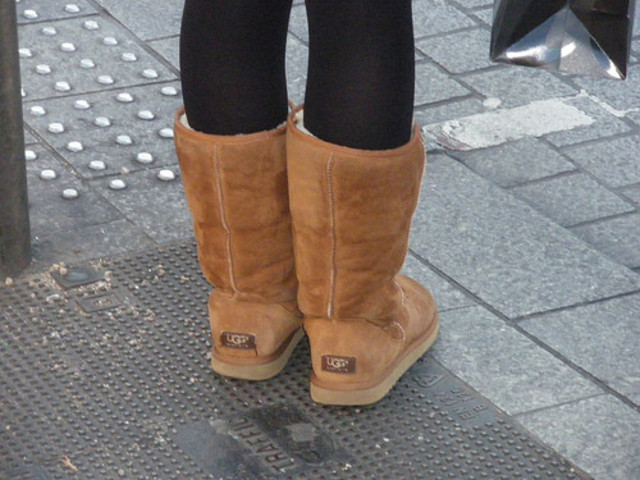 previous trends were mixed together, ugg boots, high-tops, skinny jeans, light-blue, yellow and hot pink became popular as well as flip flops, leatherjackets and fake fur