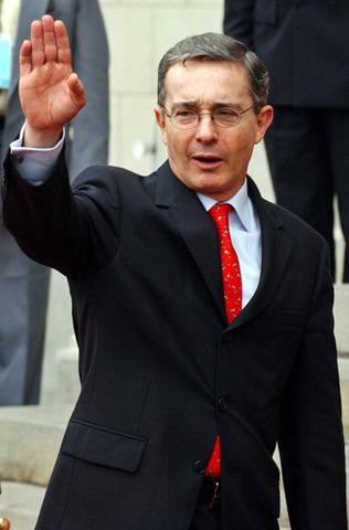 Elección de Alvaro Uribe Velez